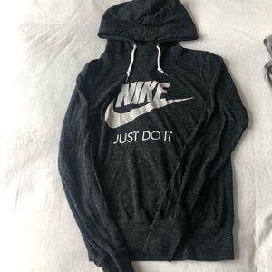 Nike hooded tee XS